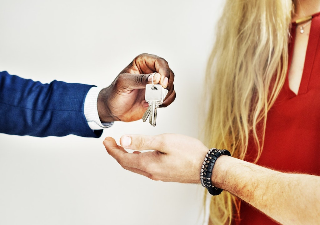 selling:buying a home