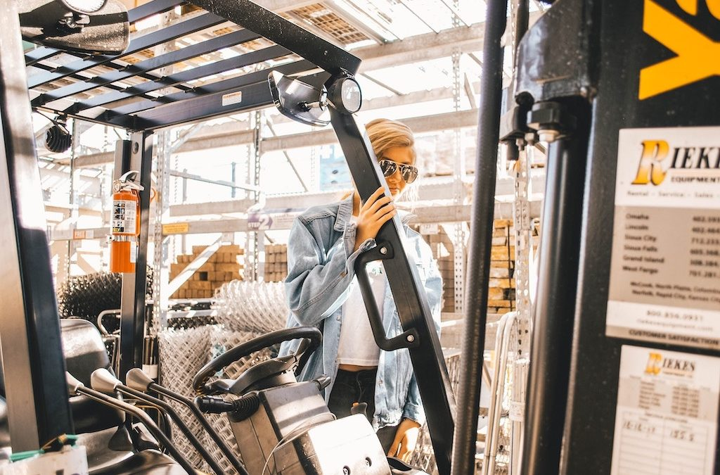 4 Important Things to Consider Before Renting or Buying a Forklift for Your Business