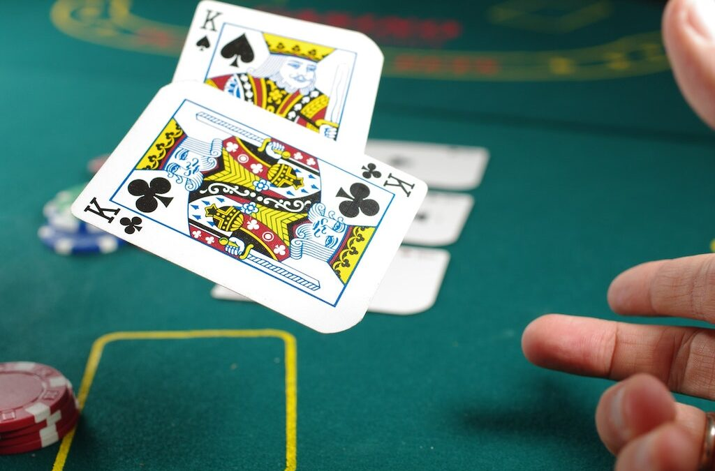 5 Reasons Why Live Casinos Are So Popular Right Now