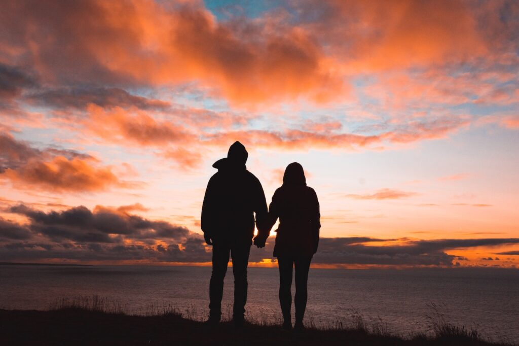 What to Consider When Choosing Therapy Retreats for Couples