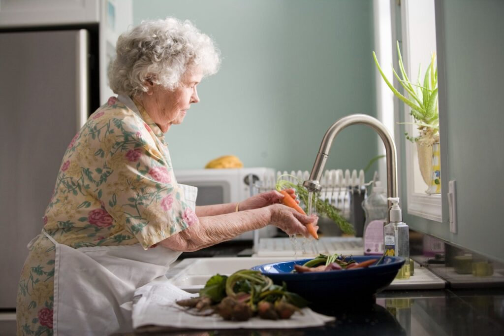 What to Look For When Choosing an Assisted Living Facility